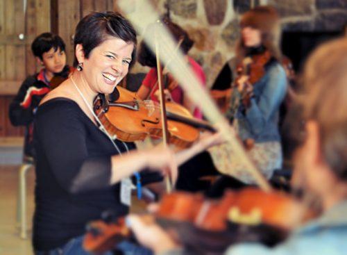 Stéphanie Lépine lors d'une classe de violon, 2014